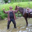 Gregi je vesel ker je preživel potop z Luco!!!! Ne moreš verjet še mobiji so preživeli....