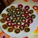 Čokoladne praline (lešnik,pinjole,krokant)