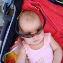 Prvič na morji-uh...kako je močen sonček za moje očke!!!