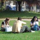 ...piknik sredi Pariza...