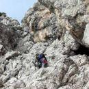 ...po malo lažjem terenu pod izstopne kamine