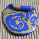 blue velvet obesek iz fima