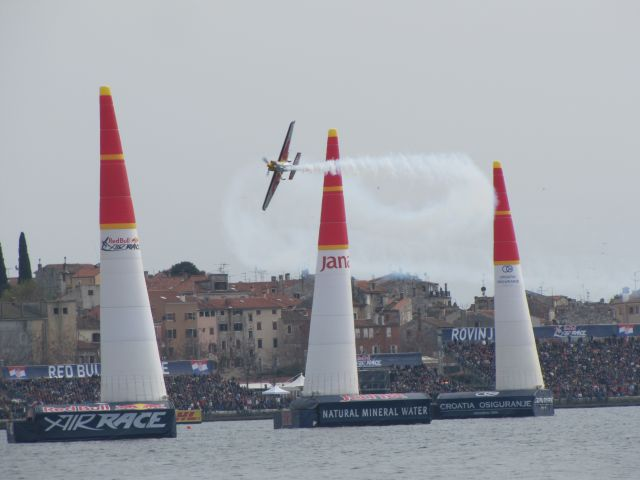 Red Bull Air Race v Rovinju 13.4.2014 - foto