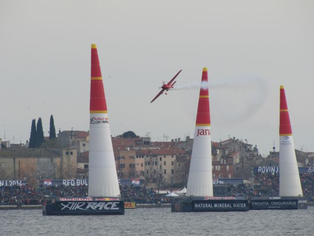 Red Bull Air Race v Rovinju 13.4.2014 - foto