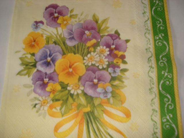 Servetki-vijolice in mačehe - foto