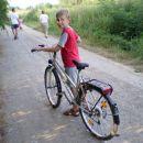 Patrik na bakinom biciklu