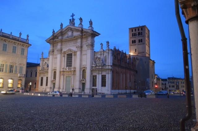 Srednjeveško mesto mantova   - italija - foto