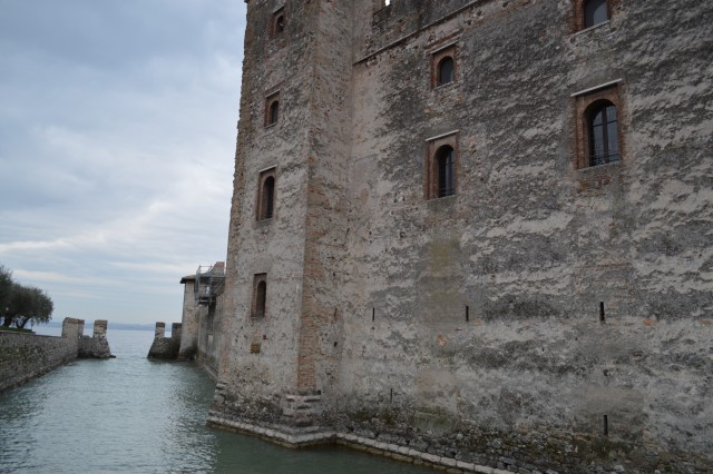 Sirmione -gardsko jezero italija - foto