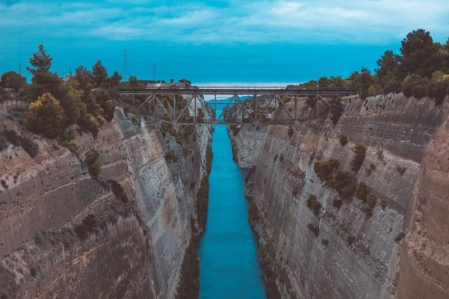 Korintski kanal - grčija - foto