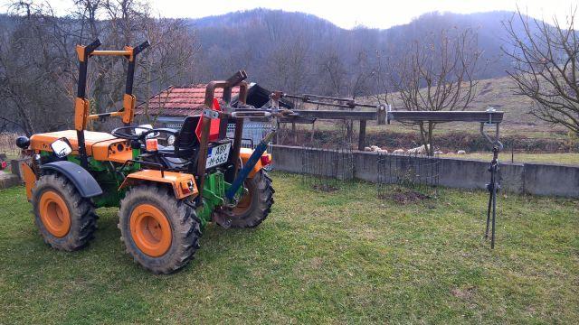 Zadnji traktorski utovarivač - Page 3 23432389