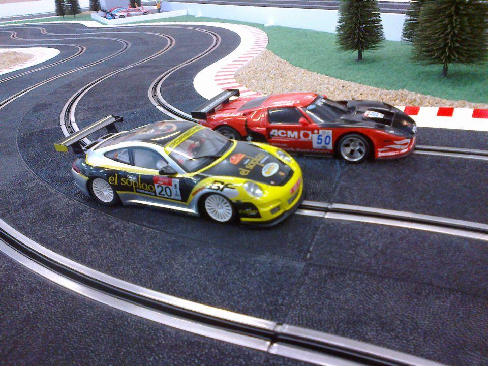 NINCO Ford GT 40 & Porsche 997