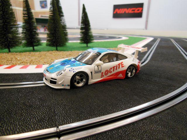 NSR1075AW Porsche 977
