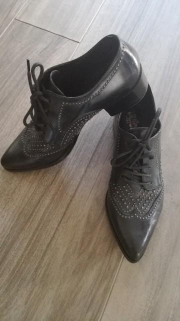 ženski čevlji št. 38 - foto