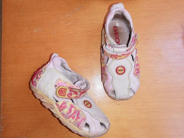 Geox sandali št. 23 = 3 eur