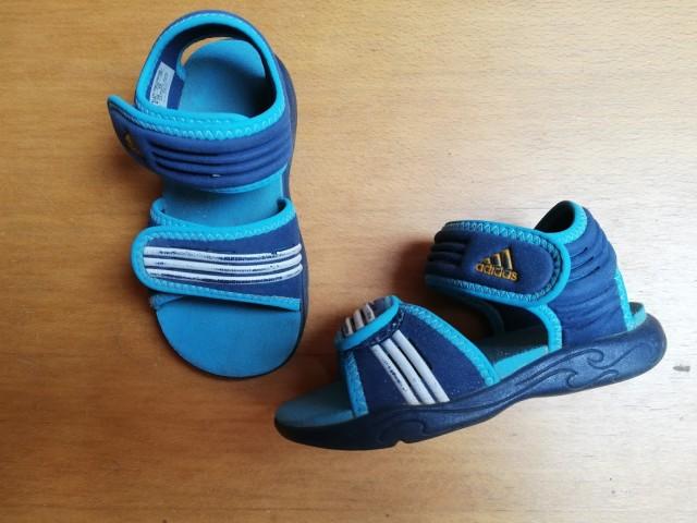 Sandali adidas št. 24 = 2 eur