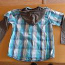 srajca s kapuco št. 134-140- zadaj- 3 eur