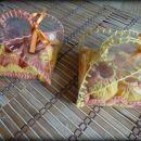 Primer darilnega kompletka v ročno izdelani PVC škatlici