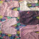 spodnji deli 2€/kos, podloženežamet hlače z rožicami 4€, žabice gratis