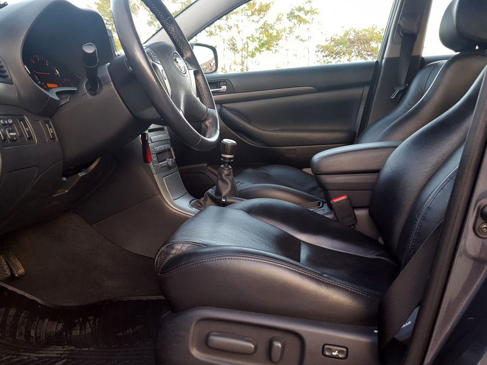 Toyota Avensis - foto povečava