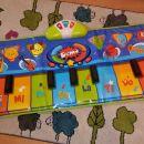 otroški klavir- preproga