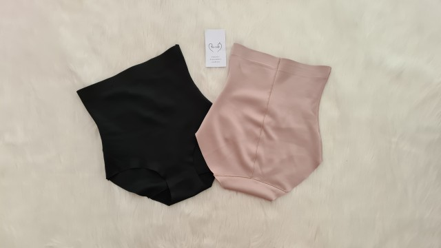 Oblačila za ženske - foto