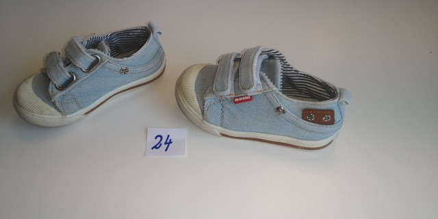 Čevlji za fantka  - foto