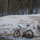 Morda so res še malo preveč zimske razmere za kolo..