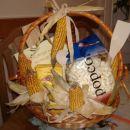 Takole sem zavila en kup koruznih izdelkov kot darilo za na dekliščino in fantovščino :)