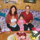 Family at Katja's cake