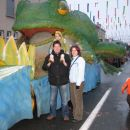 Uh kakšna velika žaba je za nami!
