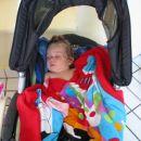 Tu pa že spim v svojem vozičku kjer je malo bolj udobno!