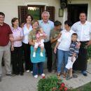 Atijeva teta in stric z sinovoma in vnukoma,manjka pa še hčer!