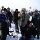Pipa miru s prijatelji rusi. Potovali so 10 dni in prevozili 4680km pri minus 35. Vsaka ča