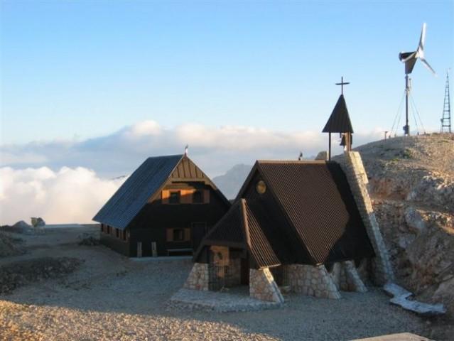 Cerkev na Kredarici