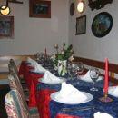 Pogrnejna miza v gostilni v Novi vasi