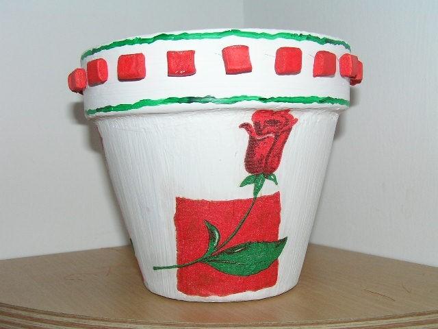 Lonček obdelan s servetkom in mozaikom iz DAS mase.