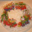 Steklen krožnik okrašen s servetkom in riževim papirjem