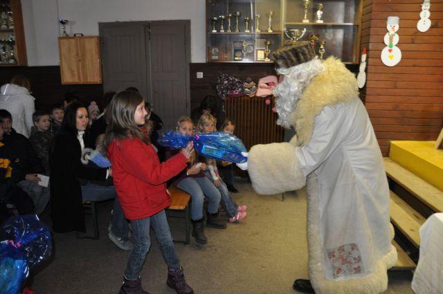 Obisk Dedka Mraza v Zavodnjah 2010 - foto