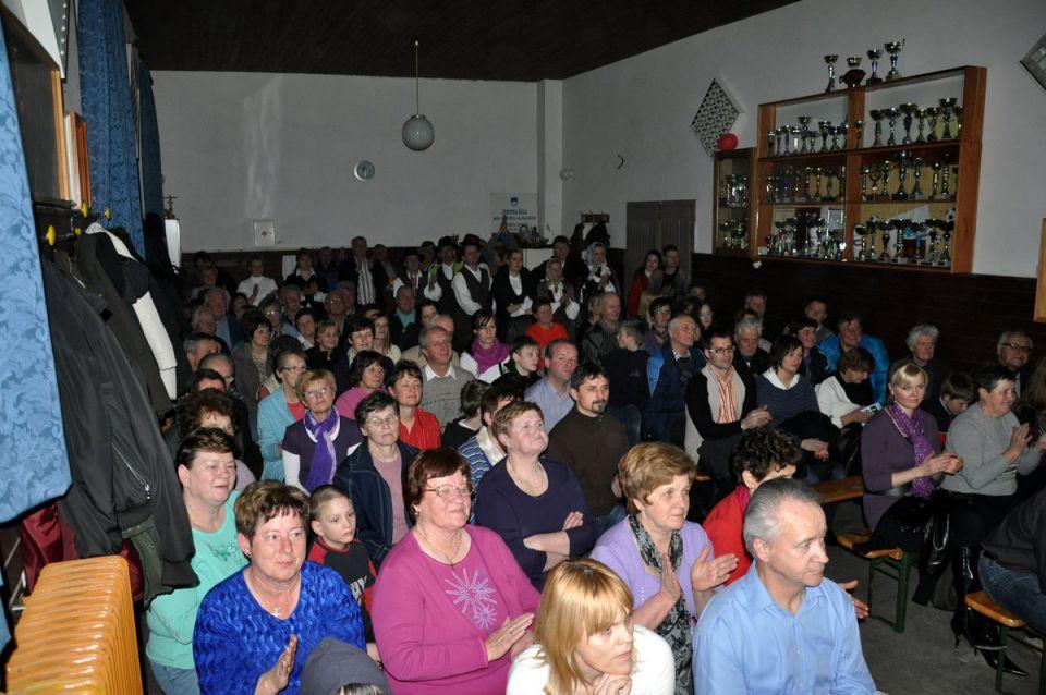 Nastop folklornih skupin v Zavodnjah 2011 - foto povečava