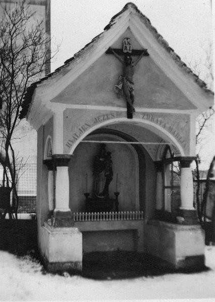 Kapela v Zavodnjah leta 1935