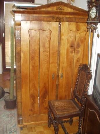 Staro pohištvo - foto