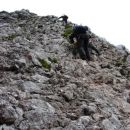 U gornjoj polovici stijene nešto drukčije kamenje