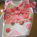 hčerina majica iz ostankov, z našitki in narisanimi vzorci