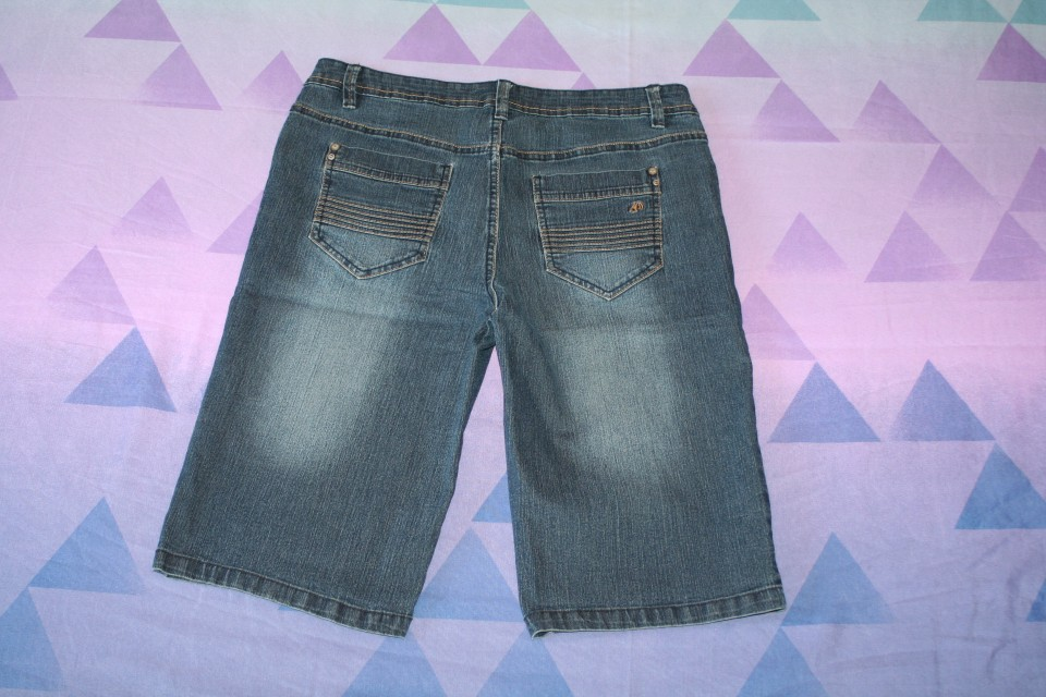 kratke jeans hlače C&A št. 38 - zadaj
