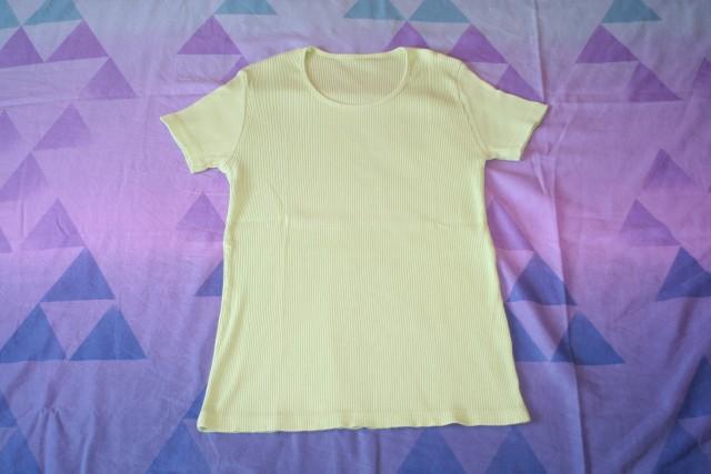 Majica  vel. s,  3€