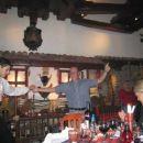 Plesalec na svečani večerji