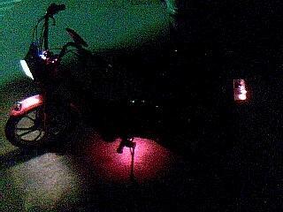 Tudi mopedi se osvetljujejo :D