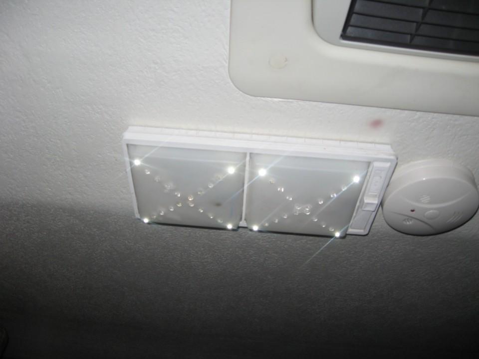 osvetlitev avtodoma