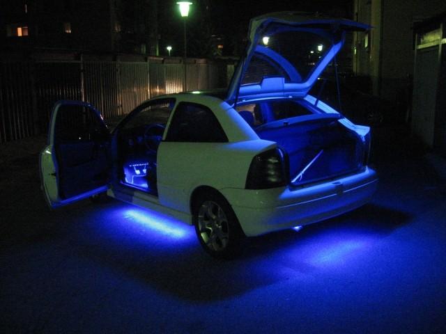 Osvetlitvev podvozja, notranjosti, prtljaznega prostora, vseh stropnih luck -  Opel Astra