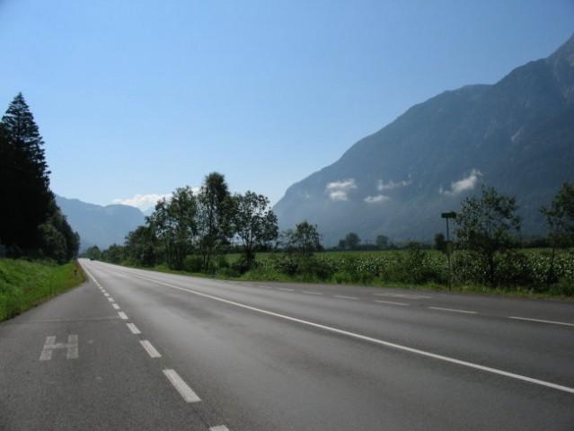 Mislm da najbl ravn del ceste celo pot :)